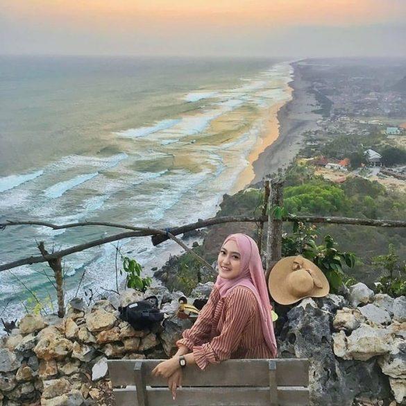 Pantai Indrayanti Jogja Spot, Lokasi dan Harga Tiket 2020
